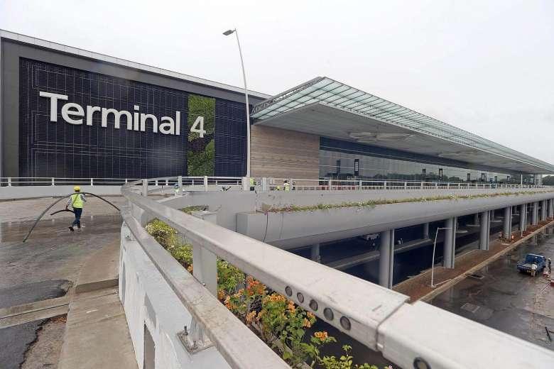 Singapore Airport T4 1